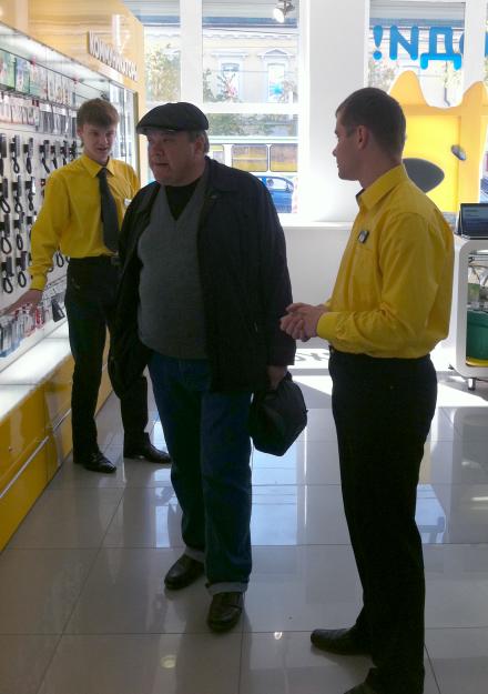 корреспондента Sibir-ix страховали продавцы Евросети