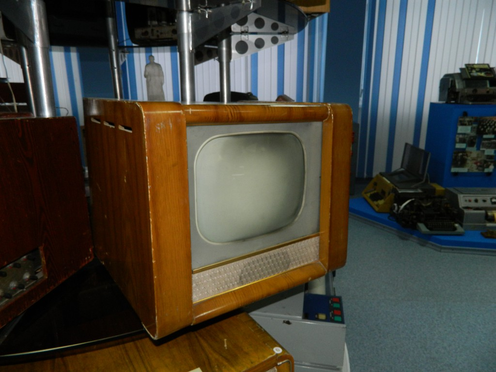 Телевизор Рубин с большим по тем меркам экраном