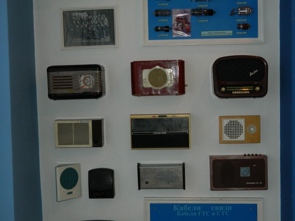 Радиоприемник себе позволяли многие